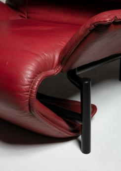 "Compasso - Pair of ""Veranda"" Leather Lounge Chairs by Vico Magistetti for Cassina"