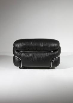 "Compasso - ""Sesann"" Leather Lounge Chair by Gianfranco Frattini for Cassina"
